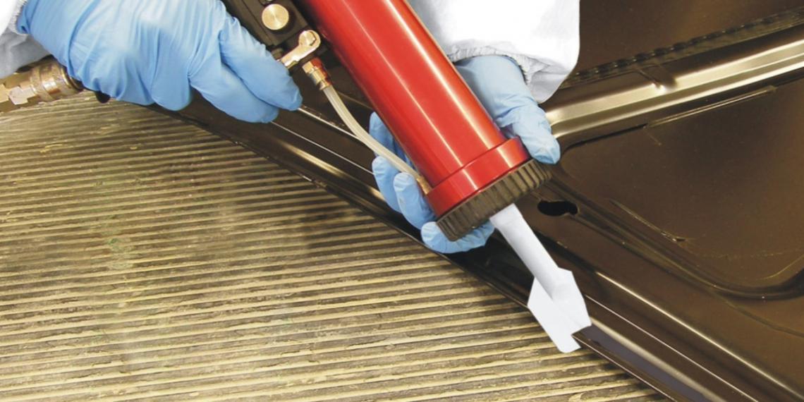 Клеевые и герметизирующие составы в автомобилестроении