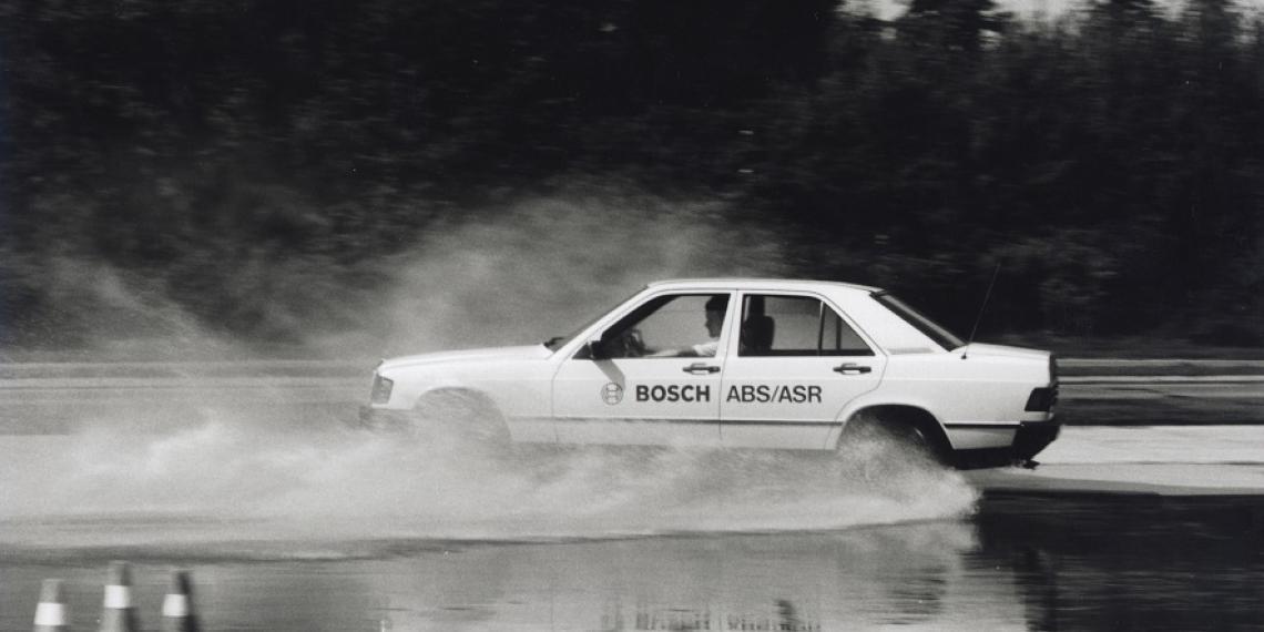 Антиблокировочной системе Bosch 40 лет