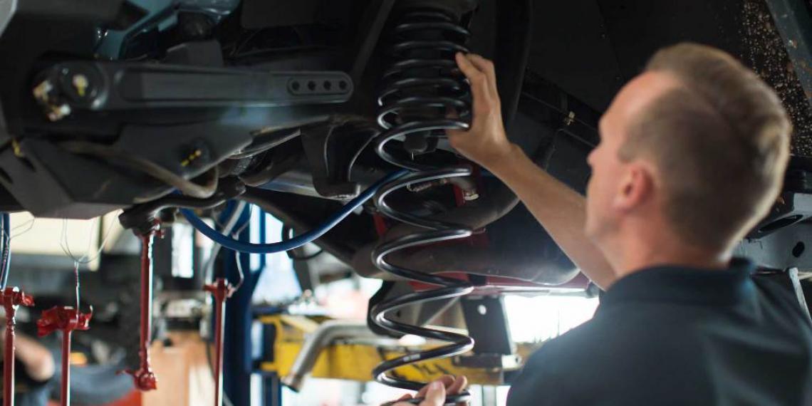 Амортизаторы: срок службы, замена и ремонт