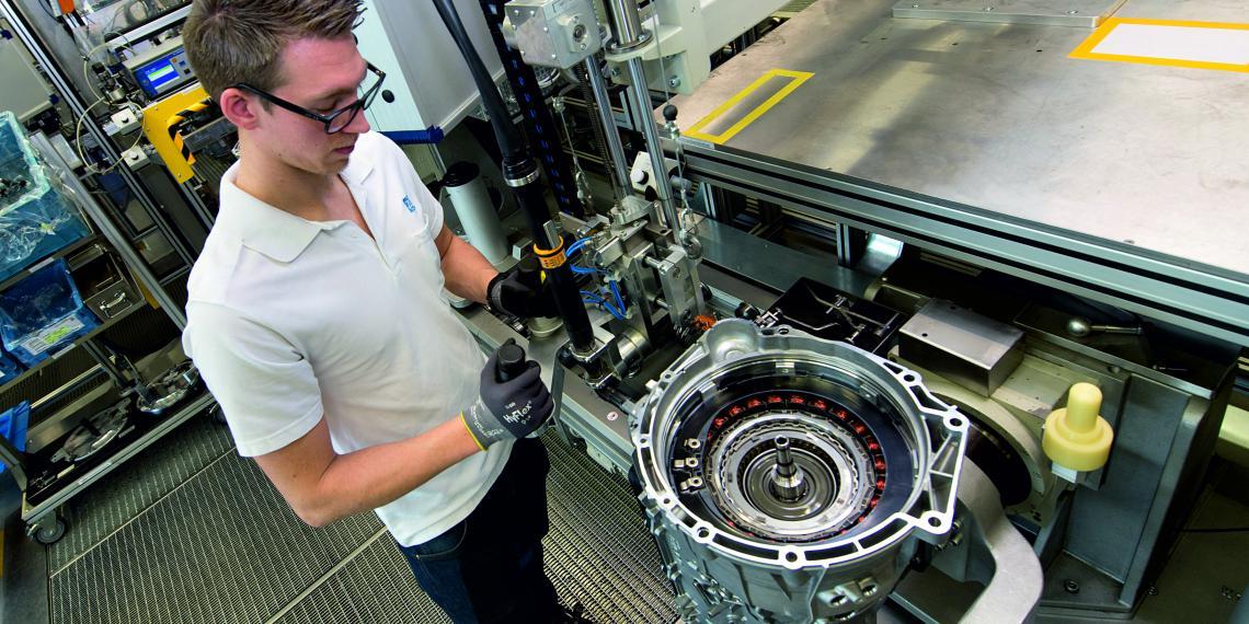 ZF получил крупный контракт на новую 8-ступенчатую АКПП