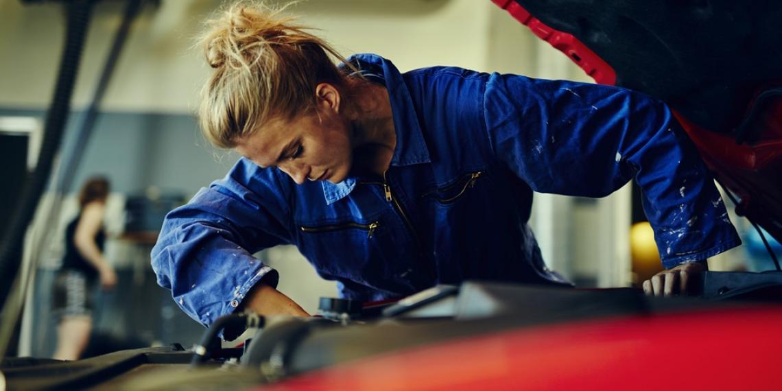 Женский вклад в автомобиль