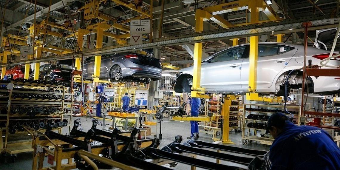 Автотор планирует сократить производство