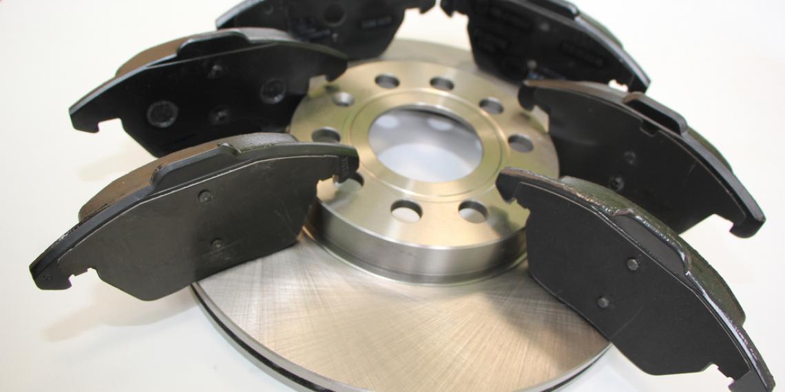«Лаборатория АК»: тест тормозных колодок для Skoda Octavia