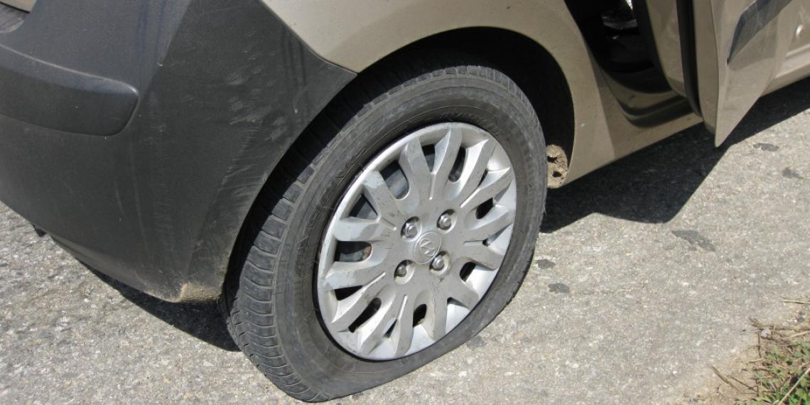 Со спущенным колесом еще 200 км