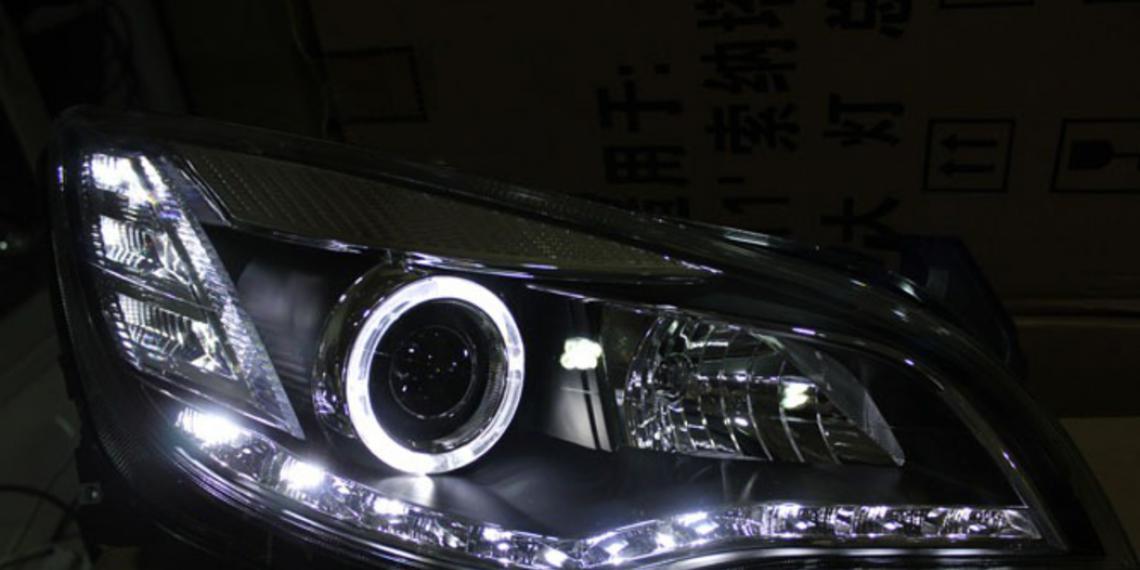 Opel направляет свет в зависимости от взгляда водителя