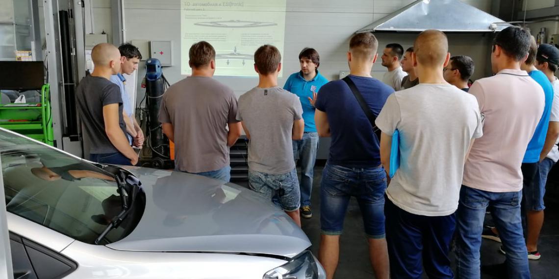 Bosch проводит обучение по техническому обслуживанию автомобилей
